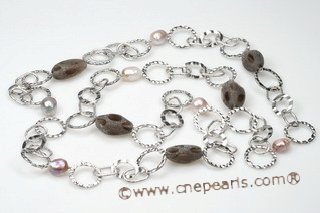 Gsn116 Trendy Smoky Quartz and Baroque Pearl Hammered Link Necklace