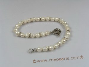 petc011  Elegant cultured pearl with silver fitting pet necklace