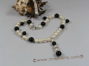 petc016  Elegant cultured pearl and black agate Y style pet necklace