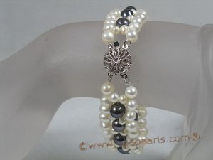 petc018 handcraft knitted white with black  potato pearls pet collars