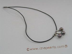 pn037 Black rubber chain necklace with 3pcs black cultured pearls