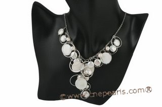 pn411 Hand wired white coin pearl and shell princess necklace
