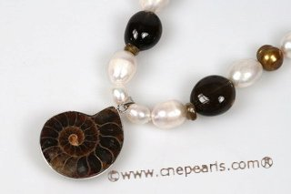 pn508 Smoking quartz ,Freshwater pearl necklace and gemstone pendant