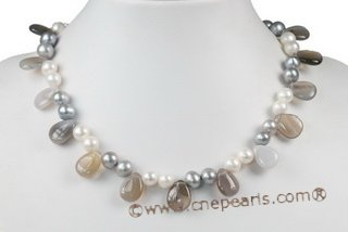 Pn524 Trendy White and Grey Potato Pearl Princess Necklace with Agate Beads