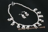 pnset482 Handcrafted white Bouquet potato Pearl princess necklace