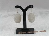 se042 925silver hook and white carve shell dangle earrings in wholesale