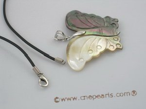 sp036 natural color butterfly shell pendant necklace wholesale