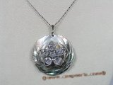 sp046 Silver natural black shell pendant with zircon beads