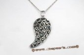 Sp149 30*65mm Colorized Sea Shell Pendant Necklace in Comma Design