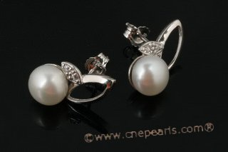 spe332 Cultured Freshwater Bread Pearl Stud Earrings in Sterling Silver