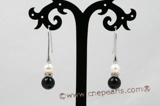 spe374 Lovely Cultured pearl and Black Agate Sterling Silver Dangle Earrings