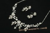 Wnset018 Delicate Rhinestones Sweet Blossom Jewelry Set